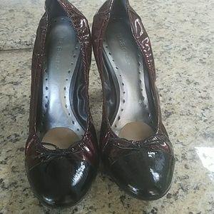 BCBG patent leather  heels